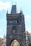 Charles Bridge Old Town brotorn, Prague Royaltyfri Fotografi