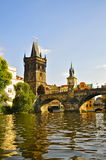 Charles Bridge Old Town Tower, Prag stockbilder