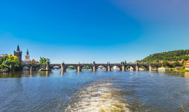 Charles Bridge in Prag stockbilder