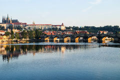 Charles Bridge in Prag - Tschechische Republik Stockfotografie