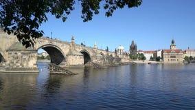 Charles Bridge a Praga stock footage