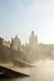 Charles bro i Prague i morgonen Royaltyfri Foto