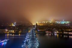 Charles-brug in Praag - Tsjechische Republiek stock afbeeldingen