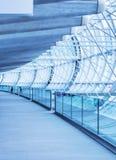 Charles de Gaulle Airport inre, GUMMIN Tjäna som 89 miljon passagerare om året, är det den mest upptagna världen Arkivbilder