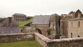 Charles-fortbarakken, een ster gevormd fort van 17de eeuw in Ierland stock footage
