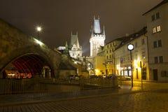Charles most i Kampa wyspa, noc Praga Obrazy Stock