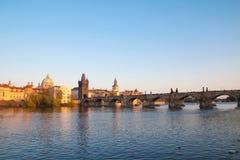 Charles most i Vltava rzeka w Praga fotografia stock