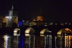 Charles most w nocy zdjęcia stock