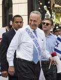 Charles Schumer på 2015 firar Israel Parade i New York royaltyfri foto