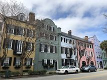 Charleston South Carolina Rainbow Row stockbilder