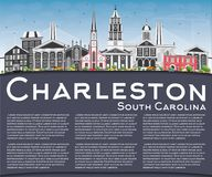 Charleston South Carolina Skyline con Gray Buildings, cielo blu royalty illustrazione gratis