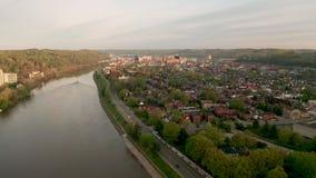Charleston West Virginia State Capitol-de Rivier van Stadskanawha stock footage