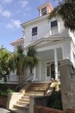 CharlestonSC, Augusti 7th: Historiskt hus från charleston i South Carolina Arkivfoton
