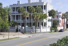 CharlestonSC, Augusti 7th: Historiskt hus från charleston i South Carolina arkivbilder