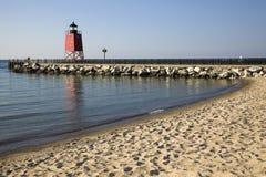charlevoix南灯塔的码头 库存图片