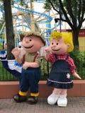 Charlie Brown en Sally Characters in Carowinds, Charlotte, NC royalty-vrije stock afbeelding