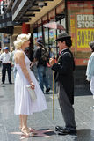 Charlie Chaplin und Marilyn Monroe Stockbild