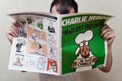 Charlie Hebdo-tijdschrift 14 de uitgave van Januari 2015 na de terrorismeaanval, op 7 Januari, 2015 in Parijs royalty-vrije stock foto's