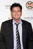 Charlie Sheen chega no partido das comédias do verão de FX foto de stock royalty free