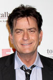 Charlie Sheen komt bij de Partij van de Komedies van de Zomer FX aan Stock Fotografie