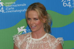 Charlize Theron photos libres de droits