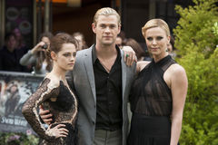 Charlize Theron, Chris Hemsworth and Kristen Stewart Royalty Free Stock Photos