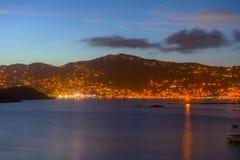 Charlotte Amalie alla st Thomas Island, U.S.A. di notte immagine stock libera da diritti
