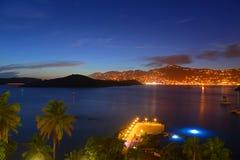Charlotte Amalie bij nacht St Thomas Island, de V.S. stock afbeeldingen