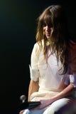 Charlotte Gainsbourg esegue a Barcellona fotografie stock
