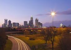 Charlotte, NC an der Dämmerung lizenzfreie stockfotografie