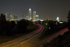 Charlotte-Skyline nachts Lizenzfreie Stockfotografie
