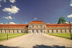 Charlottenburg slott och tr?dg?rd i Berlin, Tyskland historiskt museum destinationsst?lle f?r turister som omkring reser arkivbilder