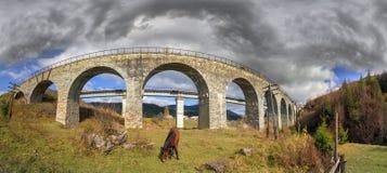 Charme der historischen Brücke stockfoto