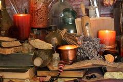 Charmes magiques noirs Charmes de Wiccan photos stock