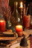 Charmes magiques noirs Charmes de Wiccan photo libre de droits
