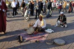 Charmeur de serpent à Marrakech Images libres de droits
