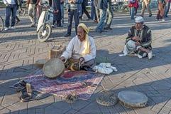 Charmeur de serpent n Marrakech Photo libre de droits