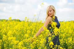 charmig kvinna Royaltyfria Bilder