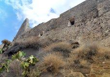 Charmig liten medeltida stad Castelsardo i Sardinia Royaltyfri Fotografi