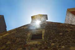 Charmig liten medeltida stad Castelsardo i Sardinia Royaltyfri Foto