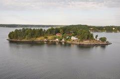 Charmiga öar nära Stockholm Arkivbild