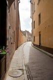 Charmiga strets i Vilnius. Royaltyfri Foto