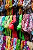 Écharpes colorées Photos stock