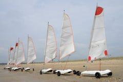 Chars sur une plage en Bretagne images stock