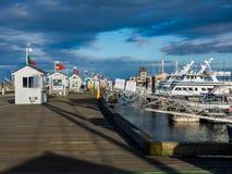 Charter vissersbootpijler Stock Fotografie