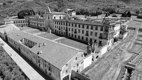 Charterhouse in het platteland van Toscanië, luchtmening Stock Foto's