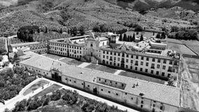 Charterhouse in het platteland van Toscanië, luchtmening Stock Fotografie