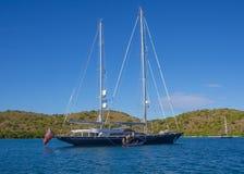Chartersegelboot Lizenzfreie Stockfotografie