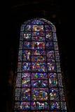 CHARTRES FRANCJA, LIPIEC, - 19, 2017: Witraży okno Chartres katedra Zdjęcia Royalty Free