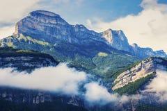 Chartreuse berg som ses från Grenoble Arkivbilder